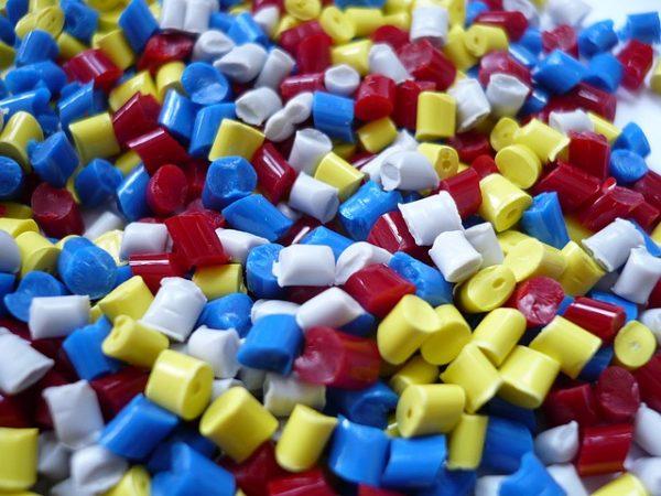 plastic 1061731 640